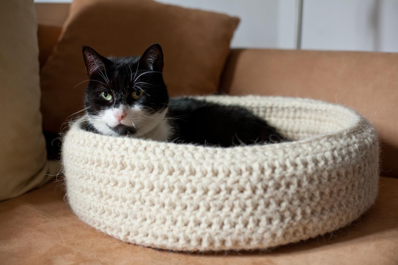 90d43e5439b8f2 recznie robione legowisko dla kota