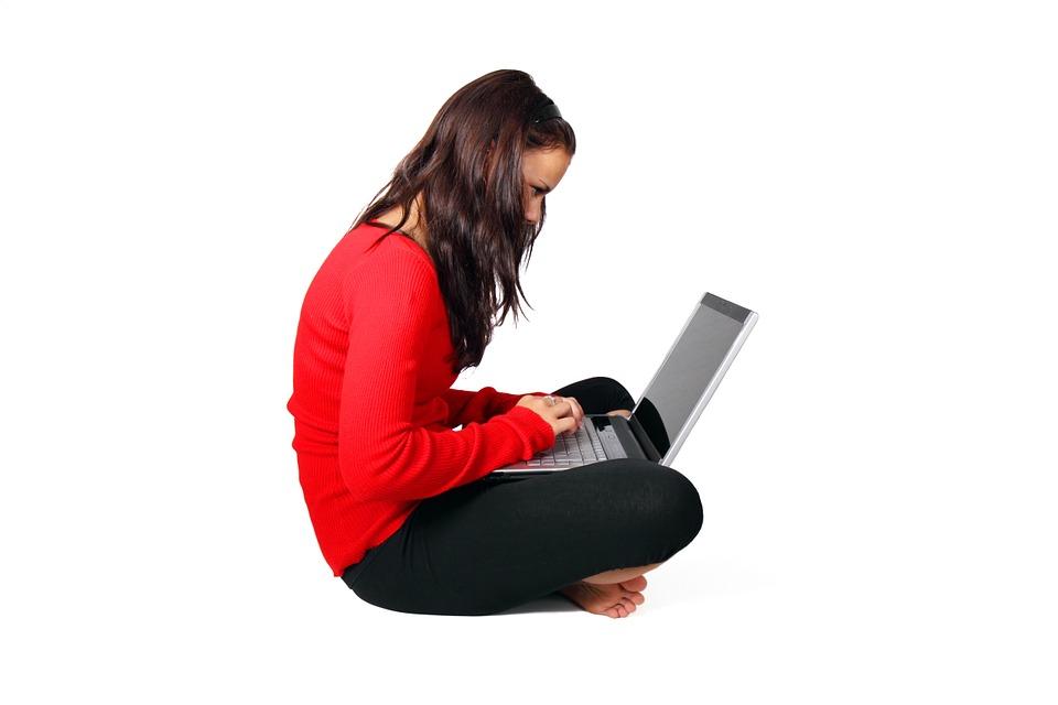 jak siedzieć przy kmputerze