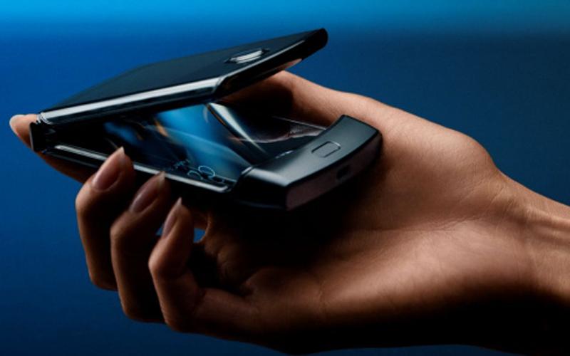 Smartfon z klapką